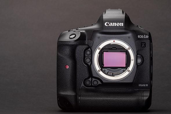 كانون تعلن عن الجيل الثالث من كاميرتها الاحترافية 1DX بتحسينات كبيرة